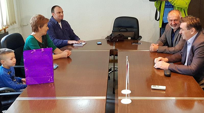 Photo of DOBOJ: Novčana pomoć porodici komandanta Pere Lukića iz Vozuće