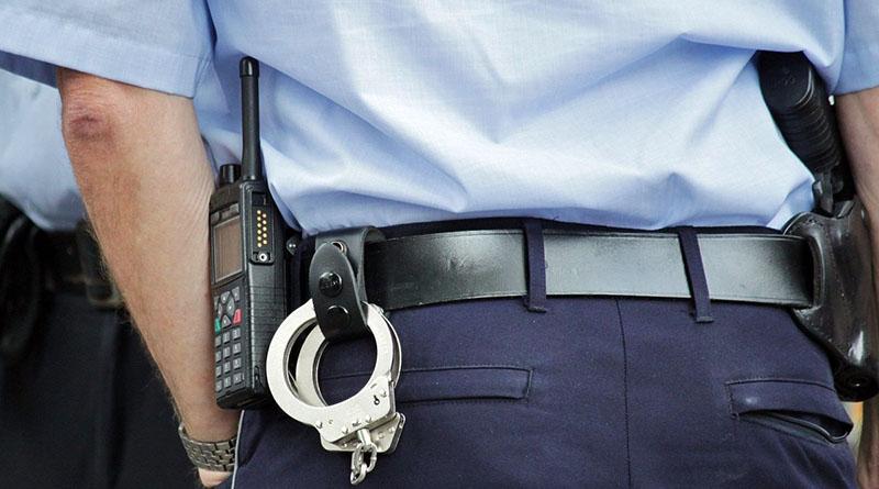 Photo of POLICAJCI GA ZATEKLI: Maloljetno lice iz Doboja osumnjičeno za provalu
