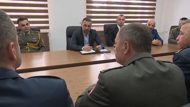 Photo of Gradonačelnik Jerinić primio u posjetu polaznike 8. klase Visokih studija bezbjednosti i odbrane