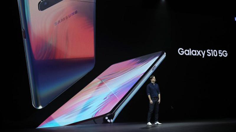 Photo of Samsung lansirao pametni telefon povezan na 5G mrežu