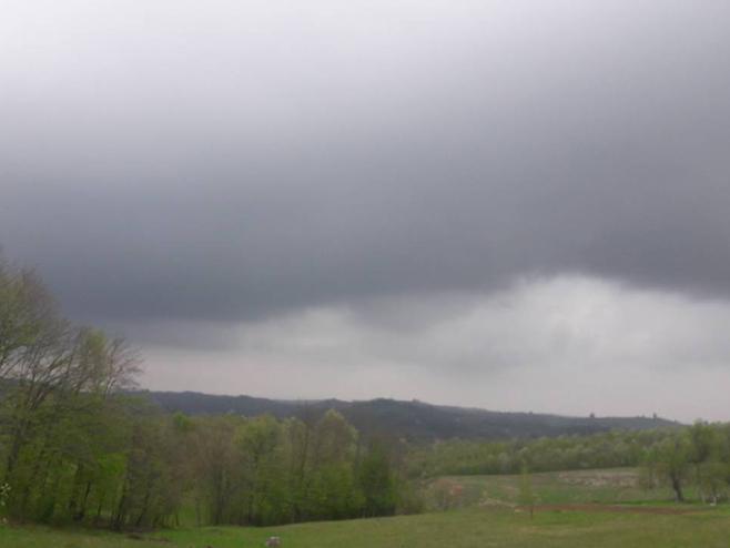 Photo of Vrijeme: Umjereno oblačno ali toplo, temperatura do 26 stepeni