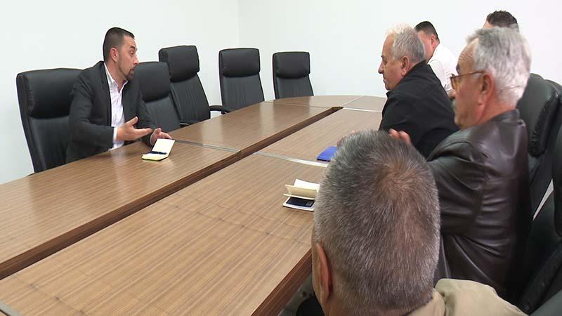 Photo of Gradonačelnik Jerinić primio predstavnike ZEV-a na broju SP 83 u naselju Pijeskovi