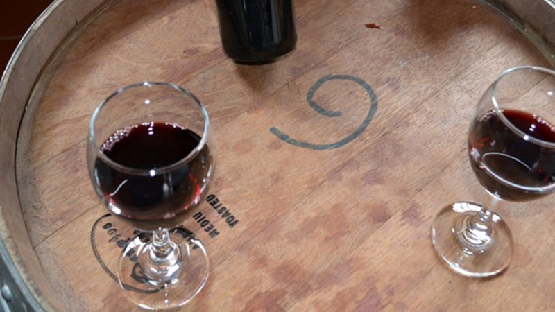 Photo of Gosti greškom posluženi crnim vinom od 5.000 evra