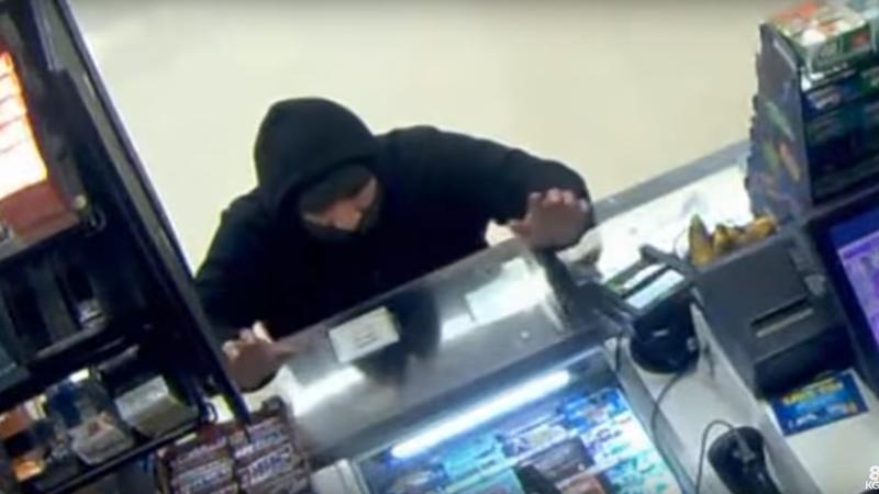Photo of Portland: Pokušao opljačkati prodavnicu pa završio na koljenima moleći za oproštaj