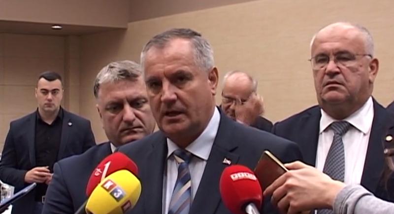 Photo of Višković: Vanredno povećanje penzija za jul