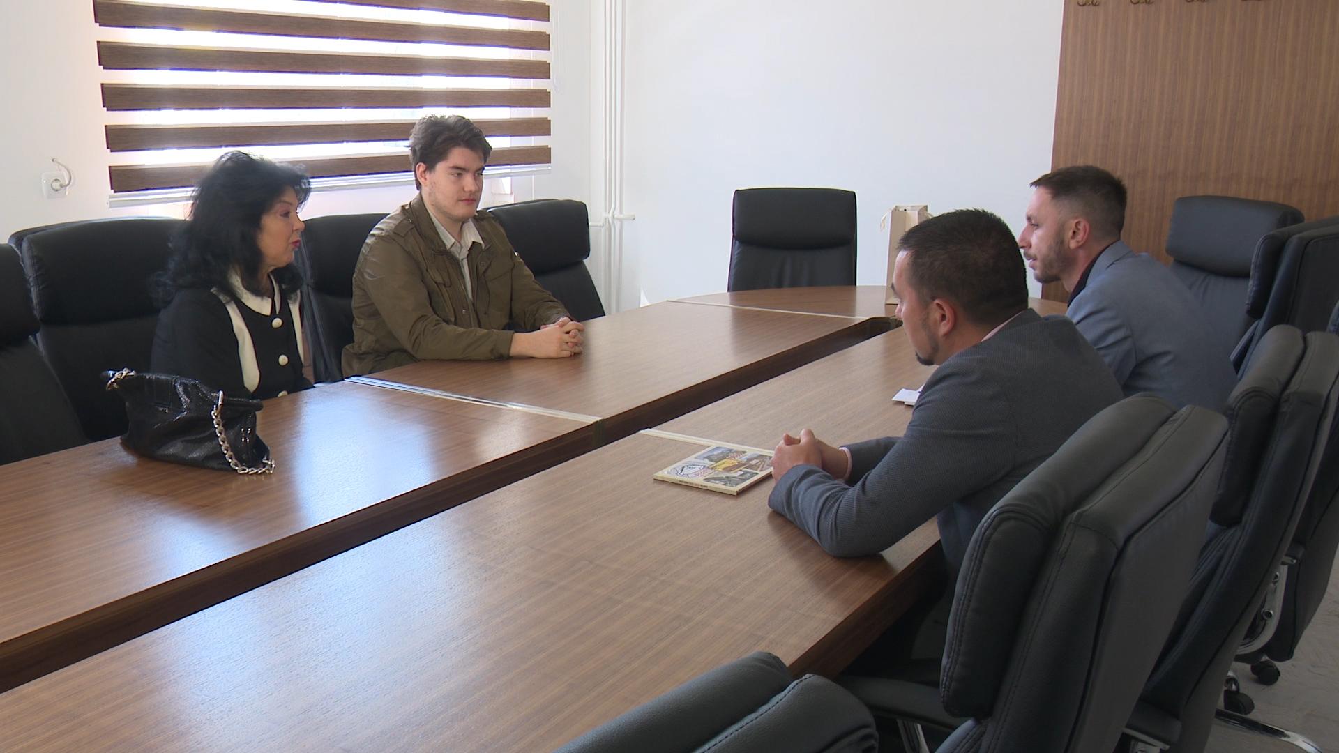 Photo of Gradonačelnik Jerinić upriličio prijem za uspješnog matematičara