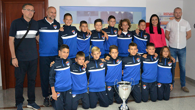 Photo of Davidović: Sport učiniti dostupnim svoj djeci