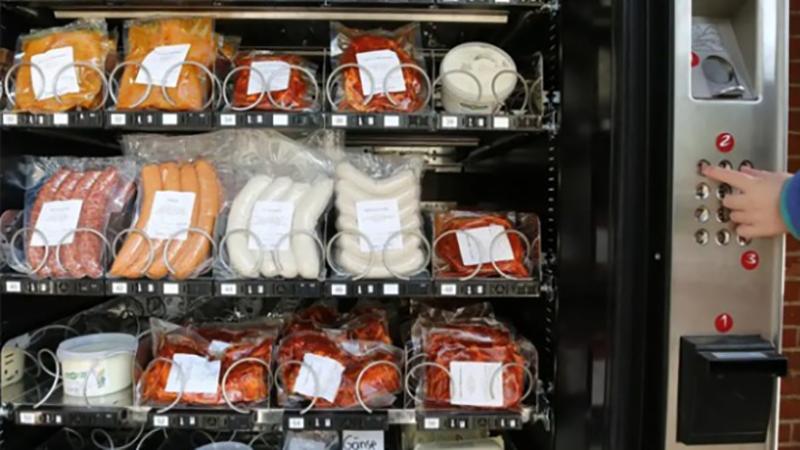 Photo of Nijemci prosto obožavaju automate, pa i kobasice stavljaju u njih