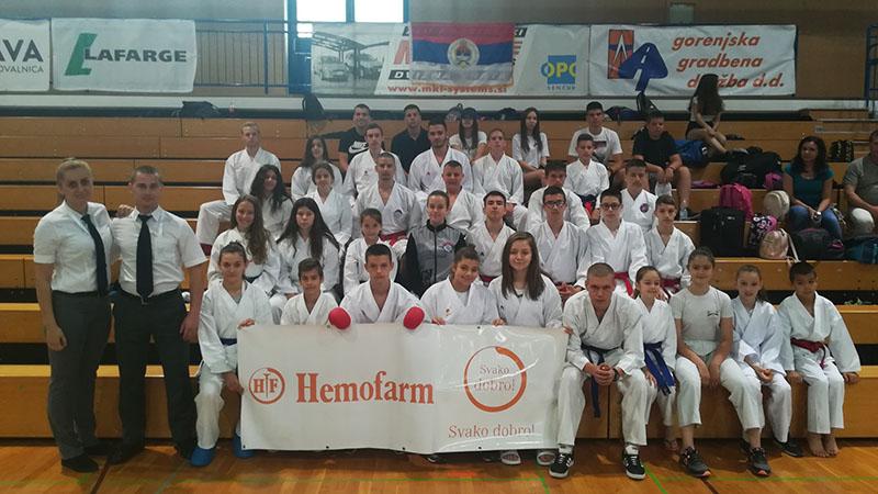 """Photo of Karate klub """"Sloga-Hemofarm"""" Doboj osvojio 2. mjesto na turniru u Sloveniji (FOTO)"""