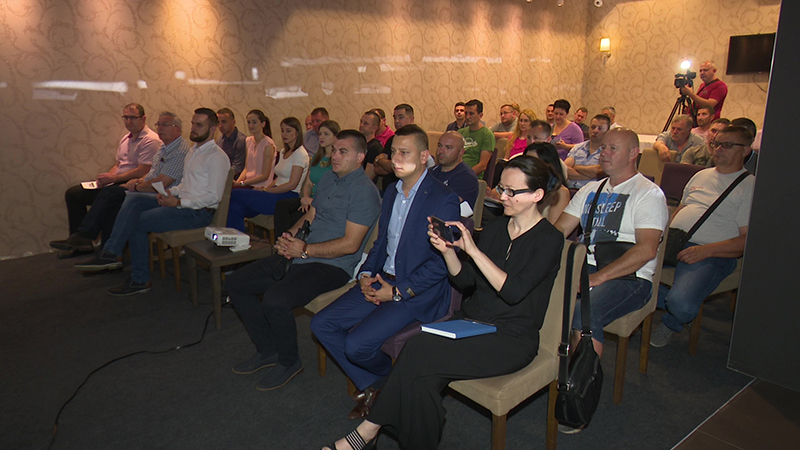 Photo of DOBOJ: Održana prezentacija 4. Javnog poziva za dodjelu bespovratnih sredstava poslovnim subjektima