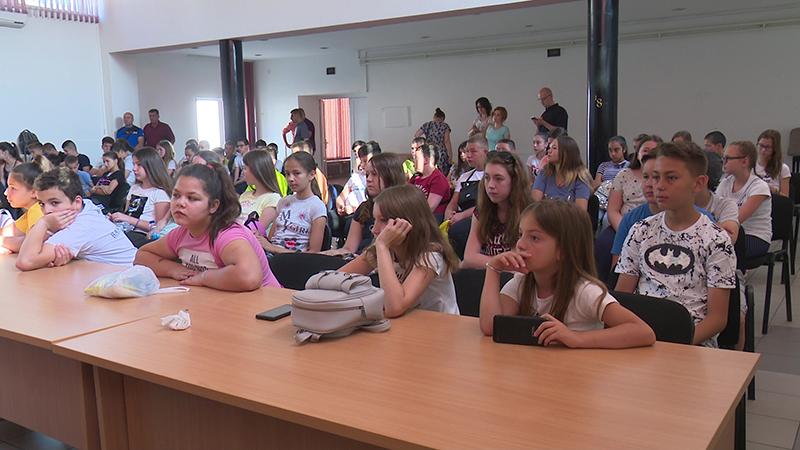 Photo of DOBOJ: U Gradskoj upravi organizovan prijem za djecu sa Kosova i Metohije