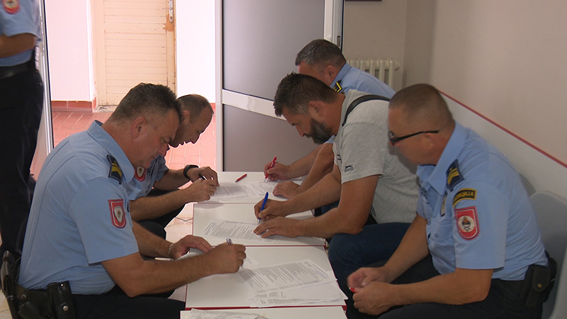 Photo of DOBOJ: Dobojski policajci darivali krv da spase živote
