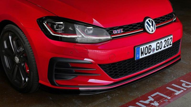 """Photo of Novi VW Golf GTI """"poletio"""" na Nirburgringu"""