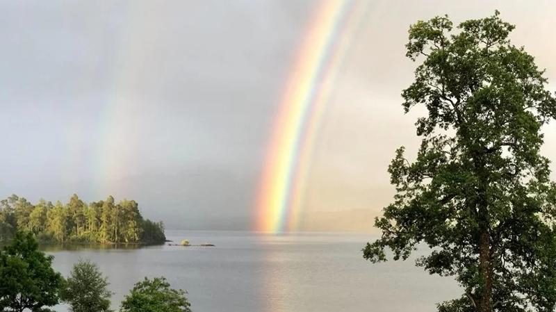 Photo of Rijetka trostruka duga snimljena u Škotskoj zaintrigirala meteorologe