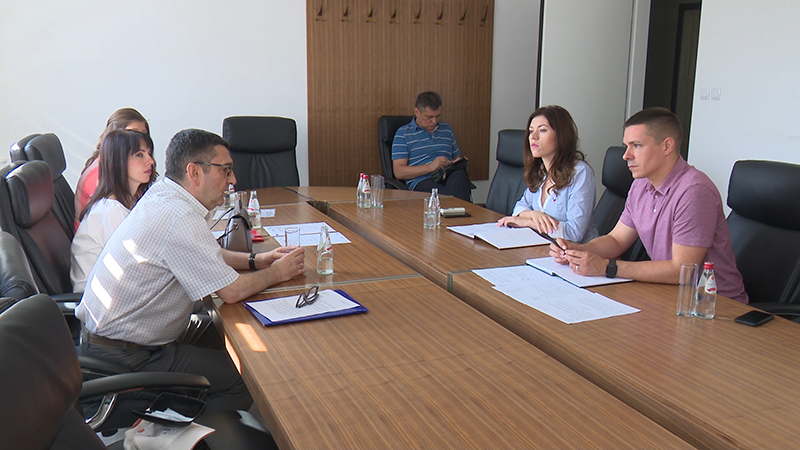 Photo of DOBOJ: U Gradskoj upravi organizovan prijem za nastavno osoblje dobojske Ugostiteljske i trgovinske škole