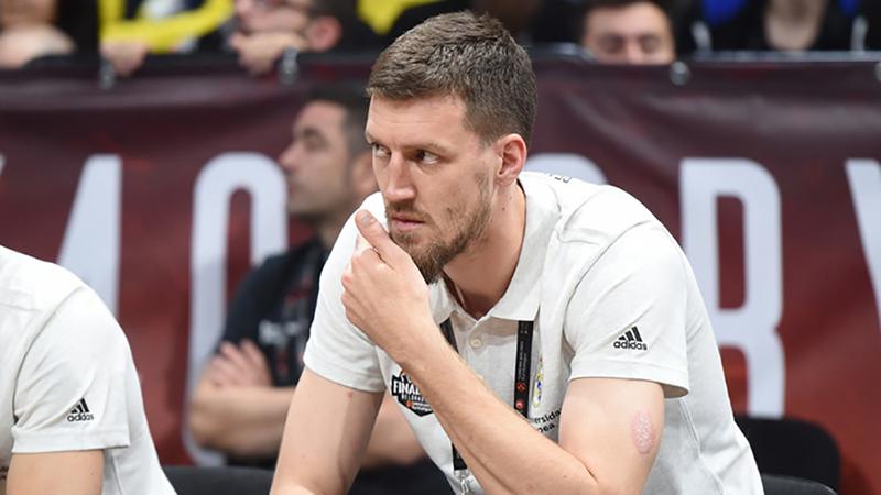 Photo of Ognjen Kuzmić košarkaš Zvezde teško povrijeđen u saobraćajci u Banjaluci