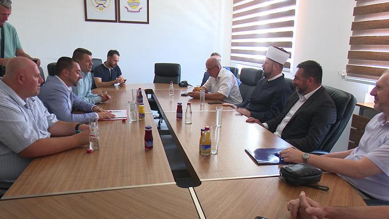Photo of DOBOJ: Potpisan sporazum za nastavak izgradnje Islamskog centra (FOTO)
