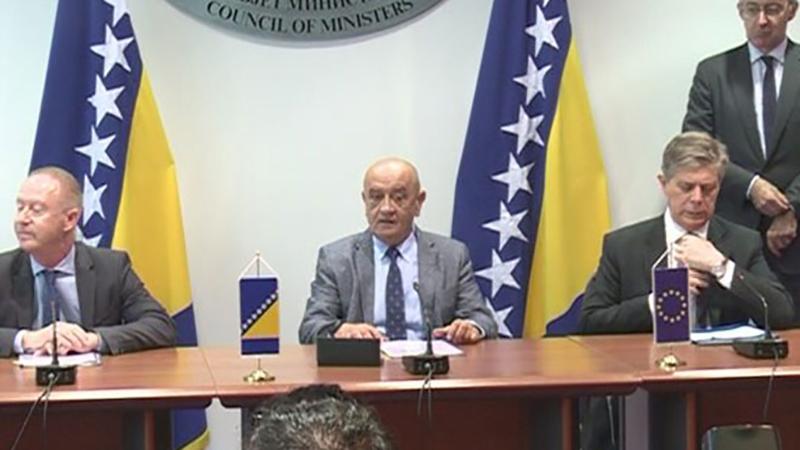 Photo of Potpisan ugovor o grantu EU za petlje Johovac i Rudanka