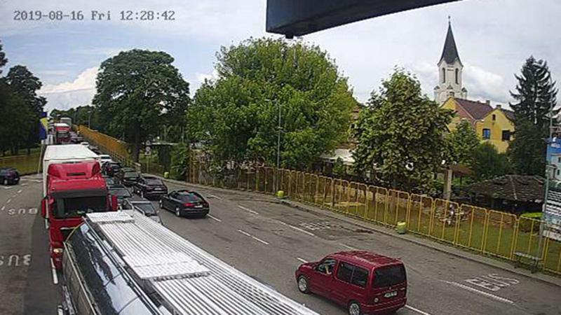 Photo of Putevi: Bez zastoja u saobraćaju i gužve na granici