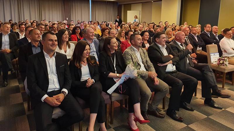 Photo of DOBOJ: Otvoren Simpozijum doktora medicine sa međunarodnim učešćem (FOTO)