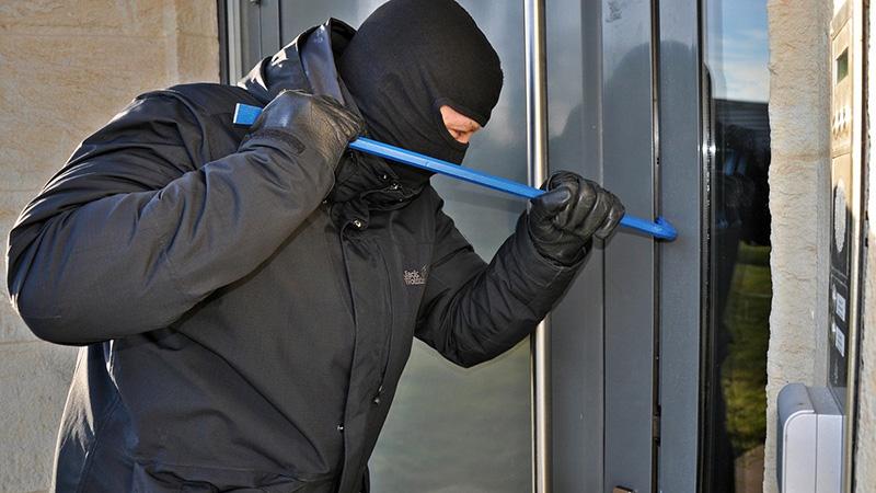Photo of DOBOJ: Iz kuće ukraden novac, iz parkiranog automobila telefon