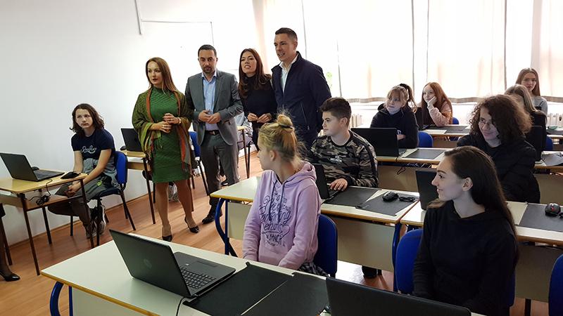 Photo of DOBOJ: Opremljen kabinet za informatiku u Ekonomskoj školi