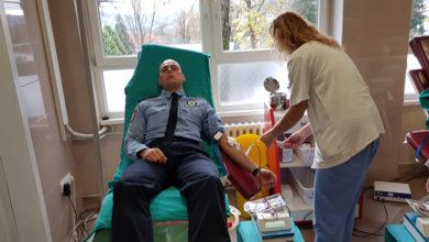 Photo of DOBOJ: PU Doboj – Oko 50 službenika daruje krv