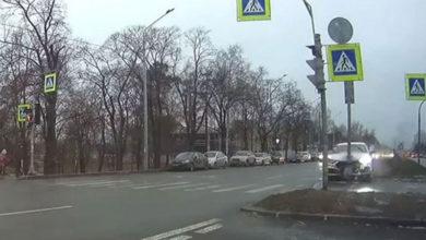 Photo of Kupac testirao skupocjeni Audi i pokosio 15 automobila (VIDEO)