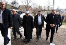 Photo of DOBOJ: Dodik donirao 100.000 KM za izgradnju Islamskog centra (FOTO)