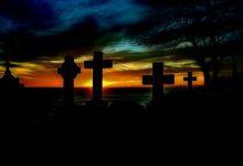 Photo of Bizarno: Bivša žena živom čovjeku digla nadgrobni spomenik
