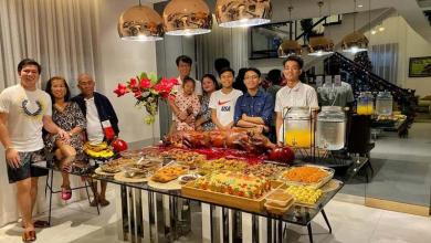 Photo of Siromašni par s Filipina usvojio dječaka, kada je odrastao omogućio im život iz snova