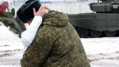 Photo of Tenkovima okružili Ruskinju pa je poručnik zaprosio (VIDEO)