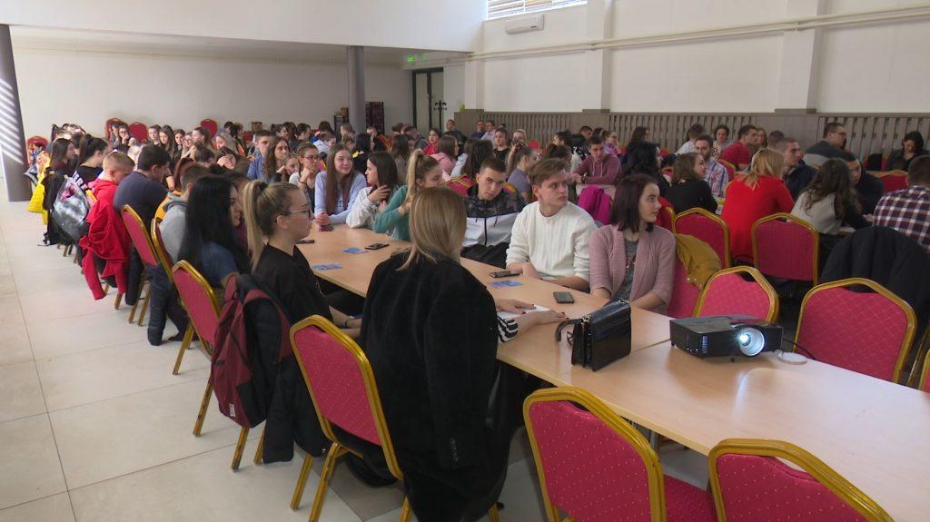 Omladinska banka Doboj