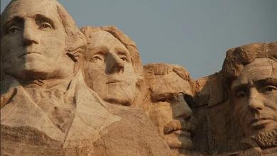 """Photo of Tajna soba, smrt kipara, """"varljive"""" naočale: Ovo su nepoznate činjenice o Mount Rushmoreu"""