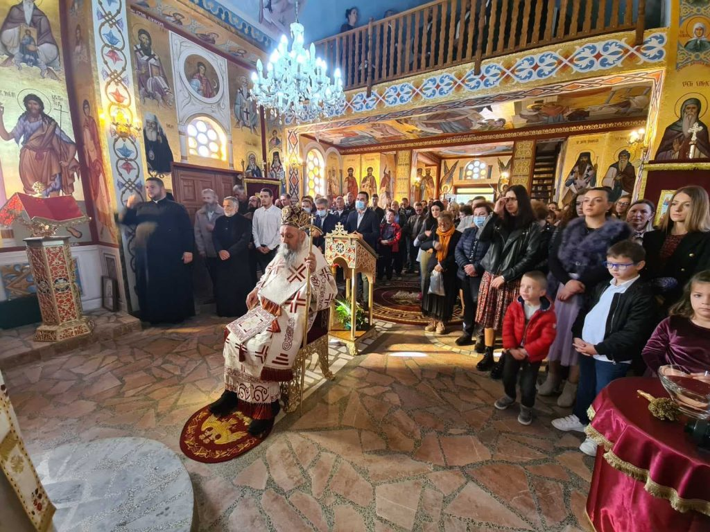 obnovljen hram u podnovlju