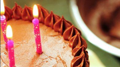 Photo of Urnebesan način gašenja rođendanskih svjećica u doba korone (FOTO)