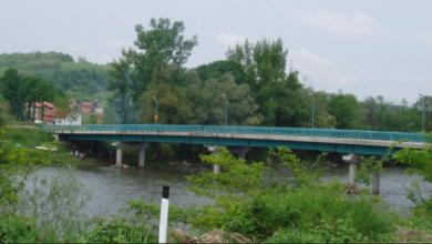 Photo of DOBOJ: Sletio vozilom u rijeku Bosnu
