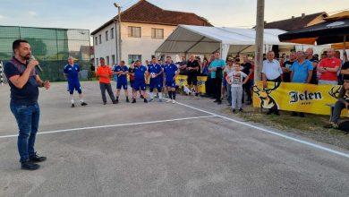 Photo of DOBOJ: U Podnovlju počeo Duhovski turnir u malom fudbalu; završen prvi takmičarski dan (FOTO)