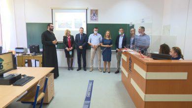 Photo of DOBOJ: U Ekonomskoj školi otvoren kabinet za zanimanje bankarski tehničar (FOTO)